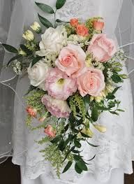 marion flower shop pale coral roses lisianthas roses and mini carnations