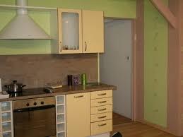 cuisine verte et marron aménagement cuisine vert anis et marron