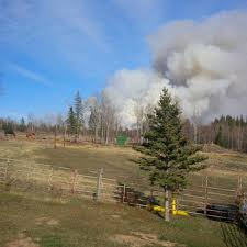 Wildfire Bc Tracker by Bc Wildfire Service Urging Caution To Those Burning As High Winds