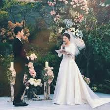 wedding dress song luxury brand christian reveals how they made song joong ki s