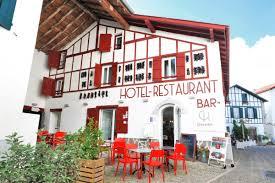 chambres d hotes espelette chilhar hôtel restaurant restaurant basque espelette