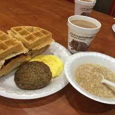 Breakfast At Comfort Suites Comfort Suites 30 Photos U0026 17 Reviews Hotels 1654 N Dupont