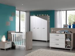 chambre bebe solde chambre bébé contemporaine coloris grège blanc violine chambre