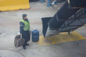 another reason not to check bags on united live and let u0027s fly