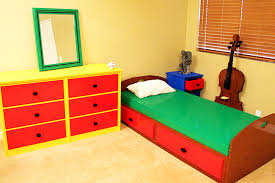 Lego Bed Frame Nathan Sawaya S Bedroom Made Of Legos Is Terribly Uncomfortable