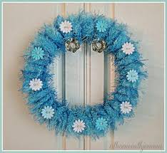 blue yarn spring wreath diy at home with jemma