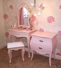 Antique Vanities For Bedrooms Best 25 Vintage Girls Bedrooms Ideas On Pinterest Vintage Girls