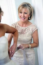 45 year old mother of the bride hairstyles 21 stylish mother of the bride dresses happywedd com mother