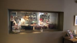 restaurant cuisine ouverte insolite lifestyle une cuisine ouverte et sur mesure l