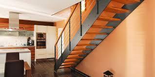 treppen stahl holz loft moderne treppe mit loftcharakter industriedesign