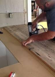 Diy Kitchen Countertop Ideas by Best 25 Pallet Countertop Ideas On Pinterest Wood Kitchen