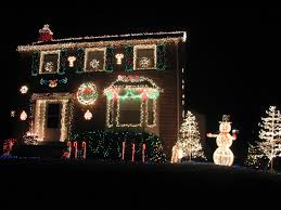 Christmas Lights On House by Red White Green Christmas Lights Christmas Lights Decoration