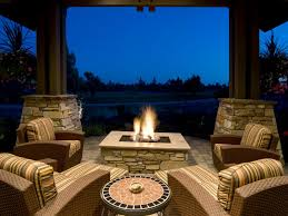 Pictures Of Backyard Fire Pits Outdoor Fireplaces And Fire Pits That Light Up The Night Diy