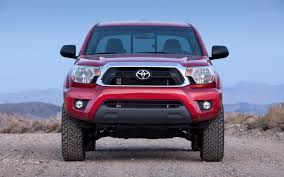 toyota truck dealerships 2012 toyota tacoma photo gallery motor trend