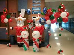 santa balloon delivery 119 best x balloons images on christmas balloons