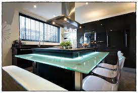 cuisine moderne design avec ilot cuisine avec ilot luxury cuisine avec ilot central et bar fashion