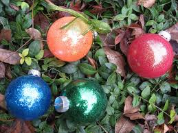 easy glitter ornaments with floor wax glitter balls