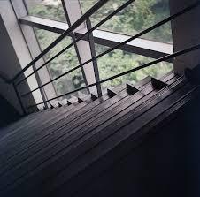 handlauf treppe kostenloses foto treppenhaus handlauf treppe kostenloses bild