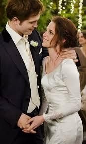 the twilight saga see the pictures from all the films bella