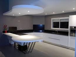 meuble cuisine noir laqué modele cuisine noir et blanc simple amazing cuisine blanc plan de