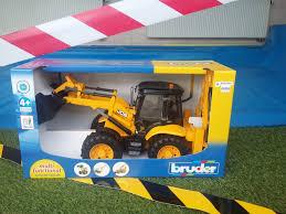 bruder excavator bruder news 2015 2454 jcb 5cx eco excavator unwrapping youtube
