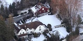 where is chappaqua fire breaks out at bill and hillary clinton s property in