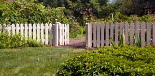 fence u0026 railing buying guide help u0026 ideas diy at b u0026q