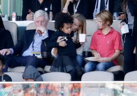 chris martin and gwyneth paltrow kids gwyneth paltrow blue ivy cheer on chris martin beyonce at super
