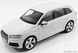 Audi Q7 2015 - minichamps 110014000 scale 1 18 audi q7 2015 white
