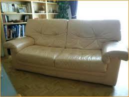 réparation canapé cuir restaurer canapé simili cuir obtenez une impression minimaliste