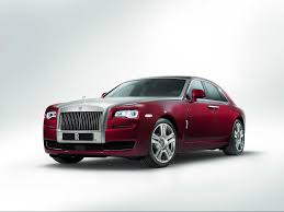 roll royce royce ghost rolls royce u0027s new 300 000 ghost is absolutely loaded with