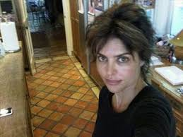 lisa rinna tutorial for her hair do you prefer your lisa rinna with or without bsb beauty news