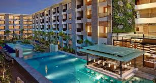 Home Plans With A Courtyard And Swimming Pool In The Center Hotel Seminyak Bali Resort Courtyard Bali Seminyak Resort