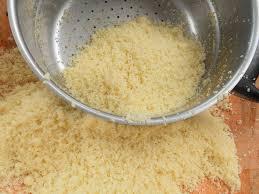 cuisiner la semoule préparation du grain de couscous les joyaux de sherazade