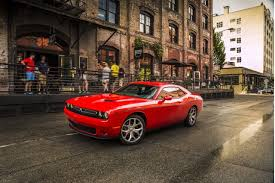 dodge challenger vs mustang gt 2017 dodge challenger vs 2017 ford mustang compare cars
