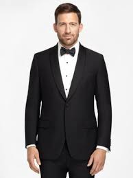wedding guest attire and etiquette