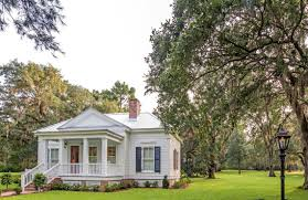 Tiny Houses For Sale In Ma Oak Leaf Cottage An 800 Square Foot Cottage With Enough Charm