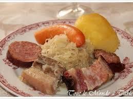 cuisine alsacienne traditionnelle choucroute alsacienne traditionnelle recette ptitchef