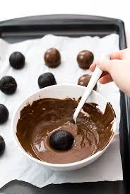 How To Make White Chocolate Easy Oreo Truffles