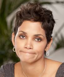 back view of halle berry hair halle berry hairstyle short straight casual medium brunette