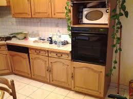 relooker sa cuisine en chene massif repeindre meuble cuisine repeindre une cuisine en chene élégant