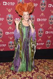 hocus pocus halloween costumes bette midler dressed as her hocus pocus character for halloween