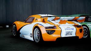 Porsche 918 Concept - unlike the more luxurious 918 spyder the rsr has a simple