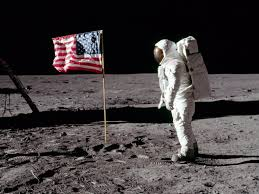 What Do The Colors Of The American Flag Mean Us Flags Planted By Apollo Astronauts Are Colorless And Falling