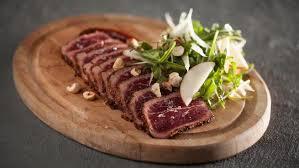 cerf cuisine tataki de cerf grillé aux épices à steak recettes signé m