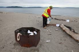 Beach Fire Pit by Update Explosion At Alki Beach Sends 5 Students To Hospital The