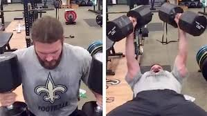 Tom Brady Combine Bench Press Saints Punter Thomas Morstead Shatters Kicker Stereotypes With His