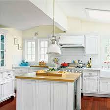 Coastal Cottage Kitchen - great beach cottage kitchens and beach cottage design inspiration