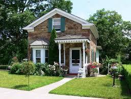 Cute Home Cute House U2013 Stock Editorial Photo Sucher 3600550