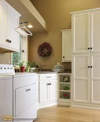 Kitchen Cabinet Molding Crown Molding Under Kitchen Cabinets